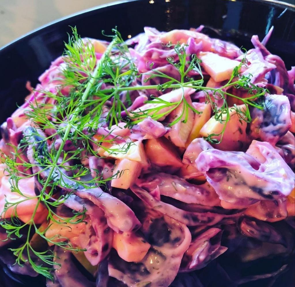 """""""Селедка под шубой"""" родом из Норвегии, но привычный салат в их блюде сложно узнать"""