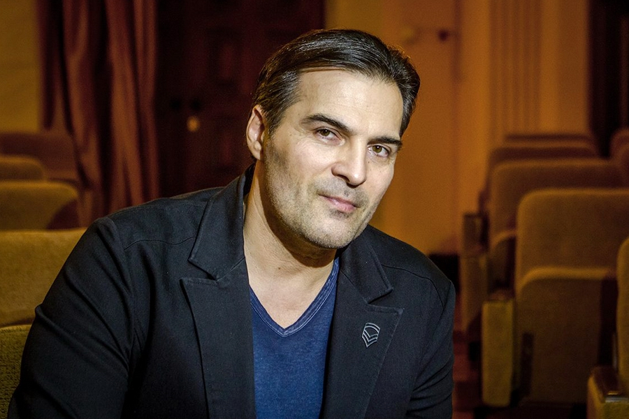 Не только талантливый актер, но и музыкант: слушаем лирическую балладу в исполнении Александр Дьяченко