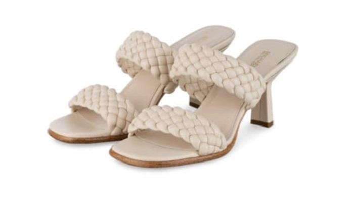 Квадратная подошва и плетение: какие сандалии особенно хороши летом-2021