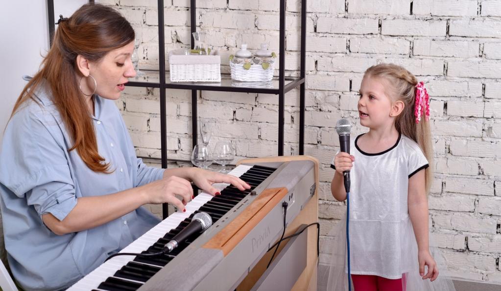 «Любой человек, который разговаривает, способен петь»: эксперт по вокалу рассказала, можно ли научиться петь при отсутствии голоса