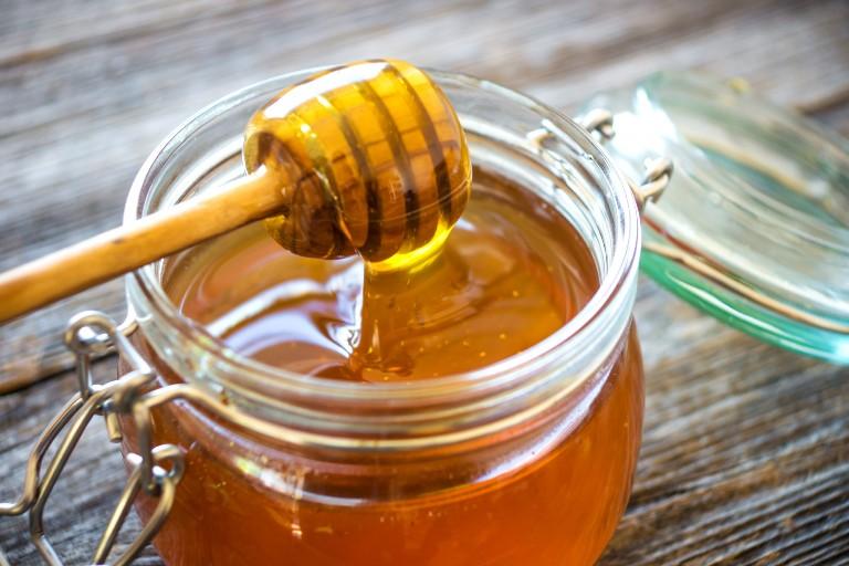 Витаминная бомба для организма: 2 продукта пчеловодства, которые полезны больше, чем мед