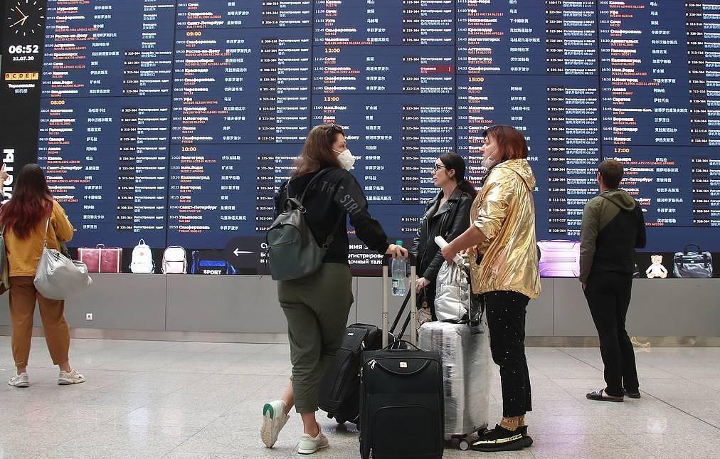 В Греции в очередной раз оставили в силе ограничение на въезд в страну россиян — 4 тысячи в неделю