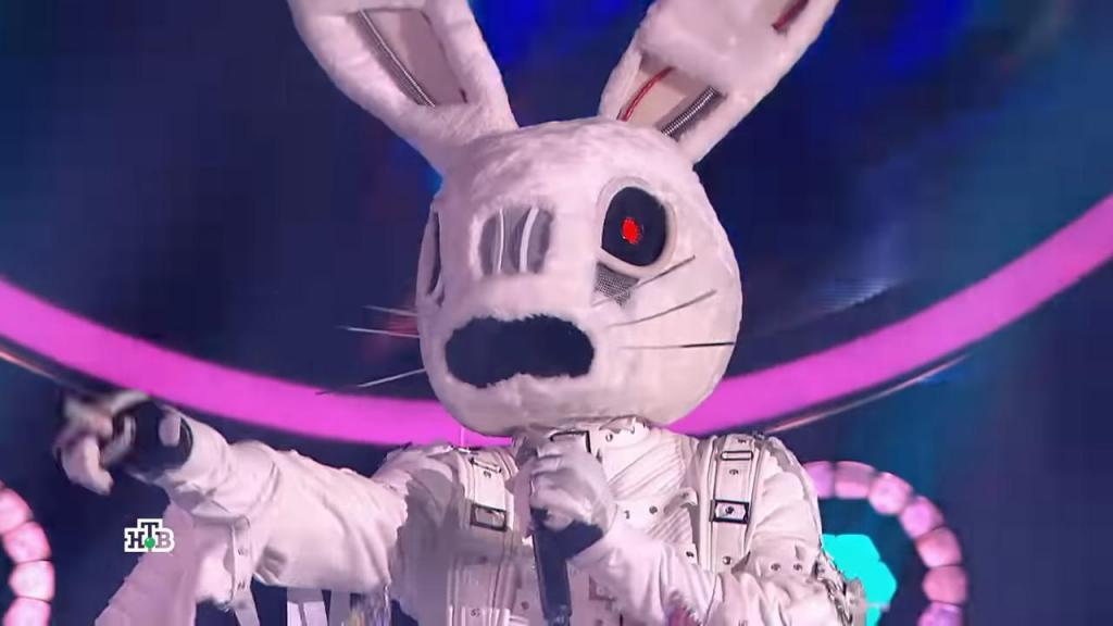 «Он поет почти без акцента»: выступление Зайца на шоу «Маска» привело в восторг молдавскую публику