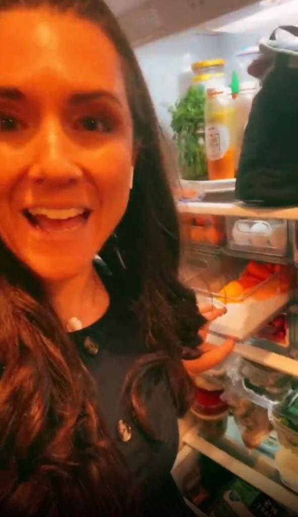 Без диет и подсчета калорий: англичанка похудела на 54 кг, наведя порядок в холодильнике