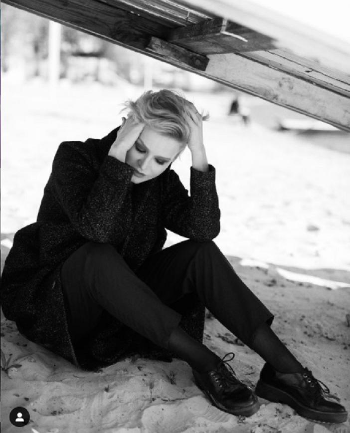 Актриса Александра Верхошанская избрала свой собственный стиль музыки: как она поет (видео)