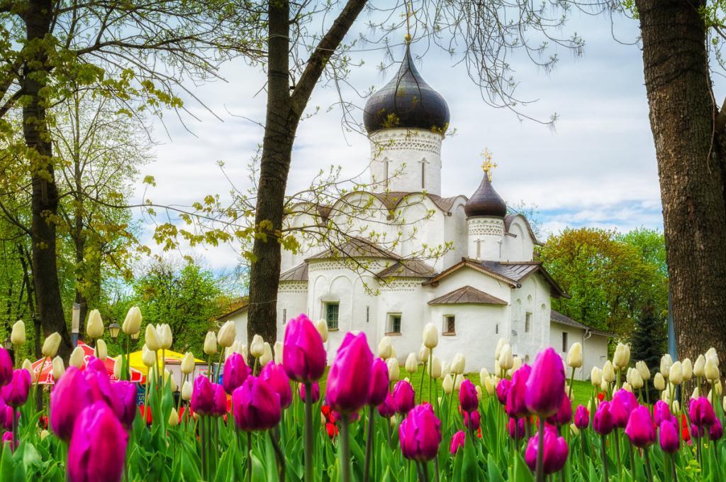 Россияне поедут на майские на дачу и в другие города: лучшие направления страны дешевле 10 тысяч рублей