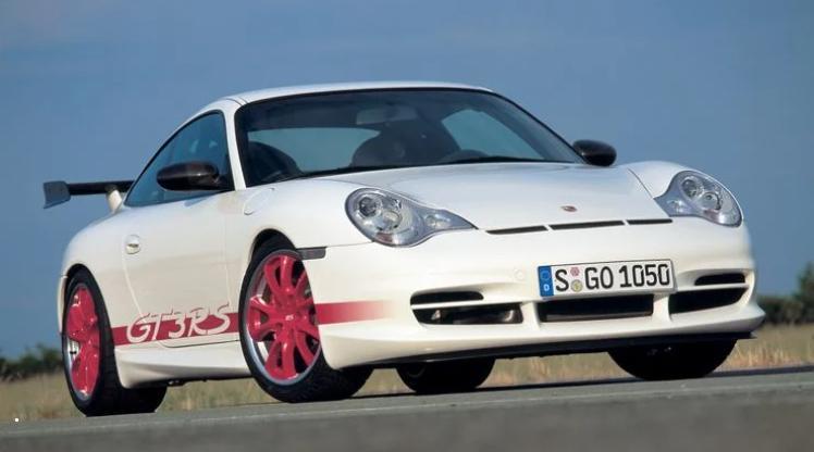 Porsche GT3, DeLorean DMC-12 и другие модификации автомобилей, которые существуют только в одном цвете