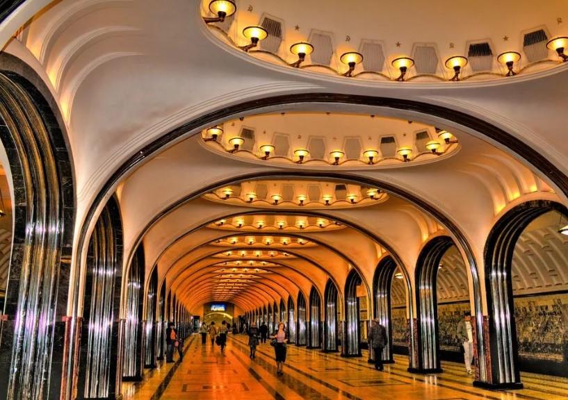 Москва никогда не спит и похожа на матрешку: что посмотреть и где перекусить, если приехали всего на один день