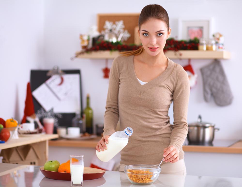 Переедание: диетолог предупреждает россиян об опасности обезжиренных продуктов