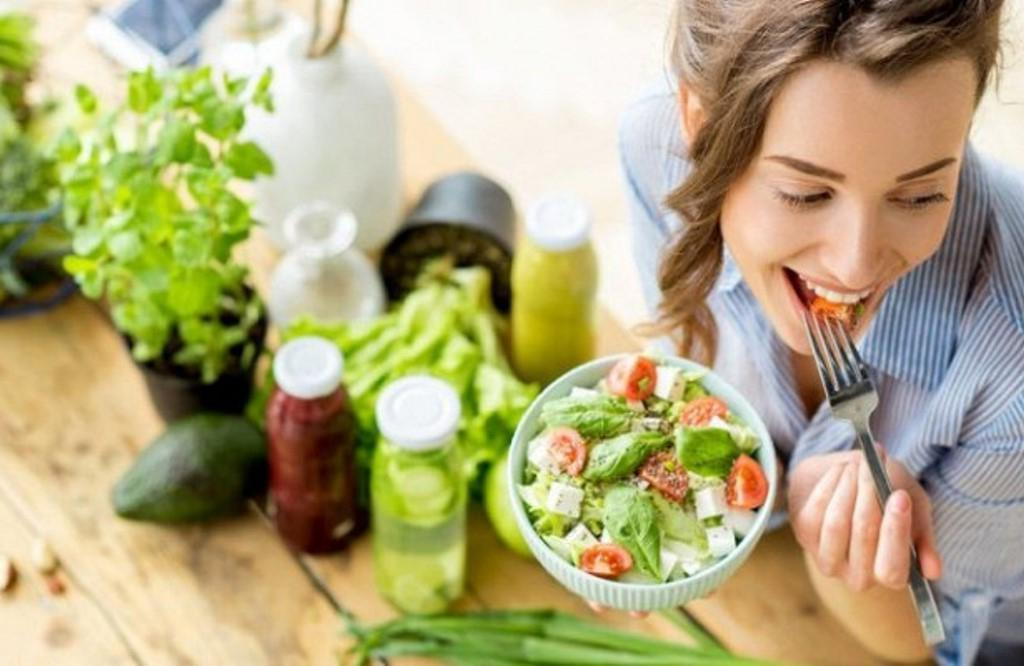 """""""Полезная и приятная"""": эксперт по фитнесу рассказала, почему после многих диет вернулась к правилу 80/20"""
