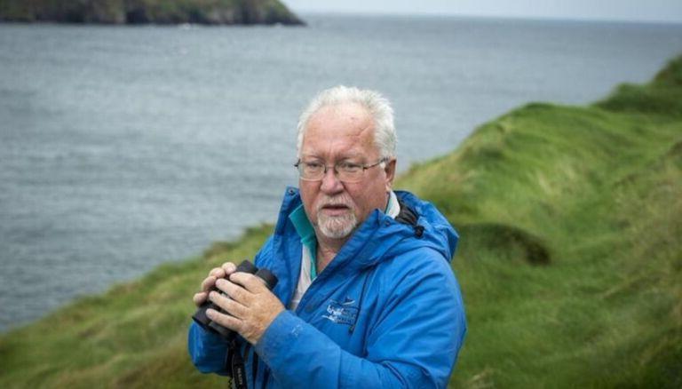 Он был для всех кормильцем: дельфин приплывал к рыбацкой деревне в течение 37 лет
