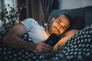 Что следует и чего не следует делать вечером, по мнению ученых: 8 вещей