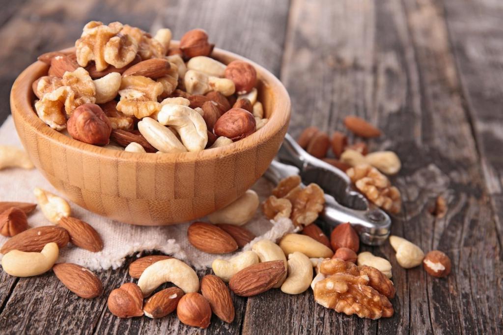 Орехи нужно есть правильно, чтобы не растерять витамины: диетолог назвала суточную норму, которую не стоит превышать