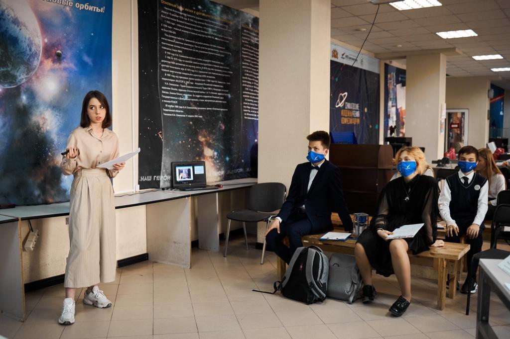 Планетоход, хаб для умных устройств и космический скейт-парк: уральские подростки-изобретатели поборолись за путевку на Байконур