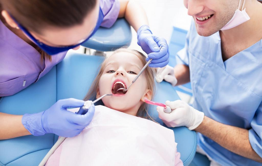 Игры, мультики и награда. Как научить ребенка заботиться о зубках: лучшие способы и советы психологов