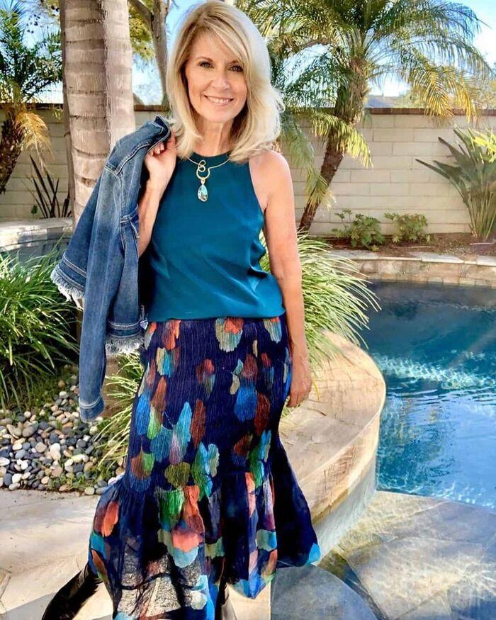 Что из одежды покупать весной женщинам за 50, чтобы стильно выглядеть еще не один год: советы и примеры