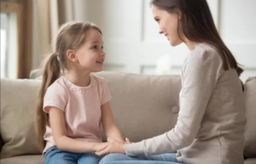 Чтобы девочка выросла уверенной: что должна каждая мама говорить дочери