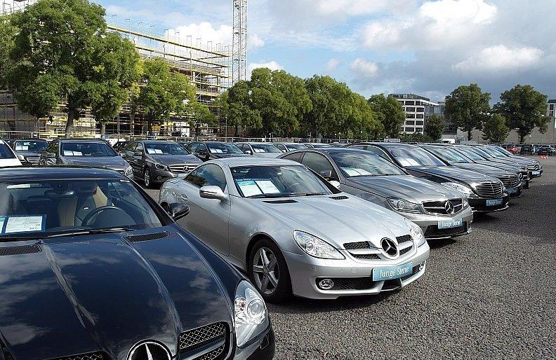 Объем продаж люксовых авто в России на вторичном рынке вырос на 24 %