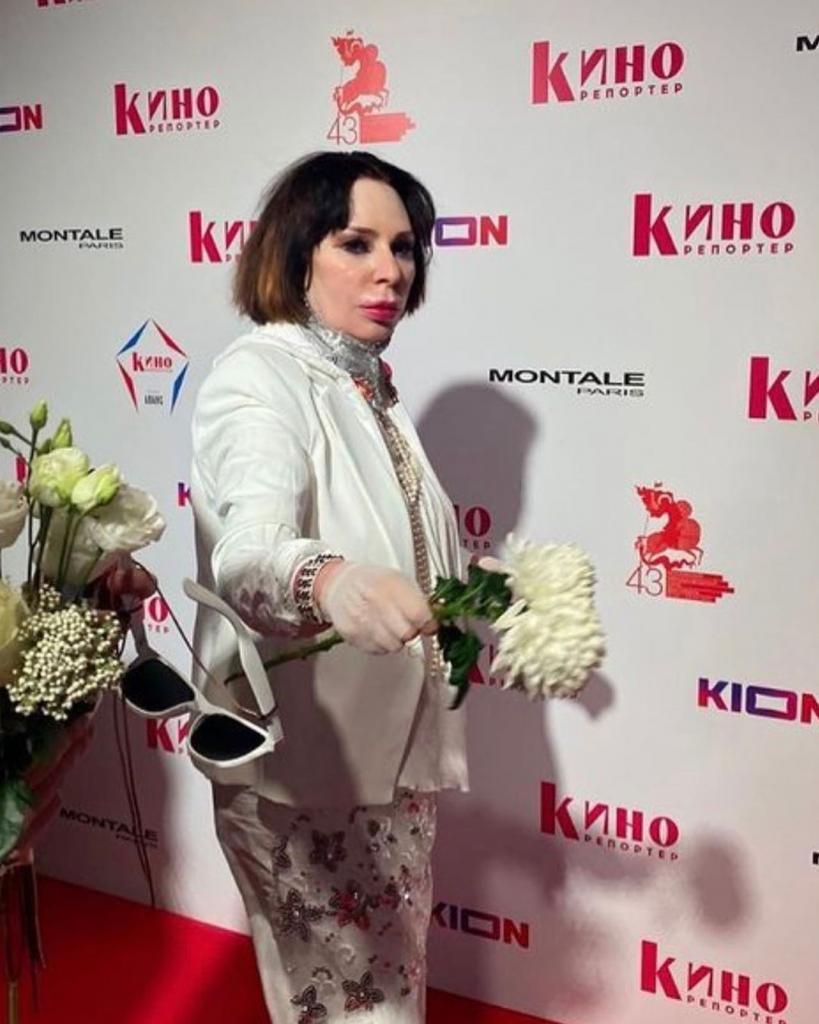 Перемены во внешности. Жанна Агузарова привлекла внимание поклонников своим новым образом (фото)