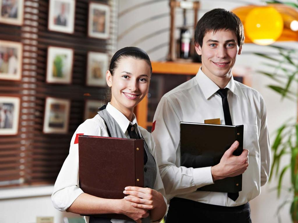 В Сочи официантом за 150 тысяч: где в России лучше работать студентам (где выше зарплата и какие вакансии в топе)