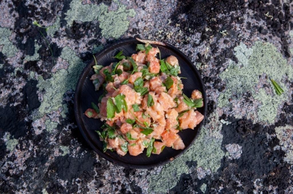 Каков вкус настоящего Севера: икра морских ежей, ягель и другие необычные деликатесы, которые можно попробовать только в русских ресторанах арктической кухни