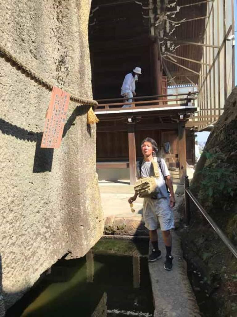 Иши-но-Ходен - гигантский плавучий «противопандемический» мегалит в Японии: почему этот загадочный памятник привлекает паломников