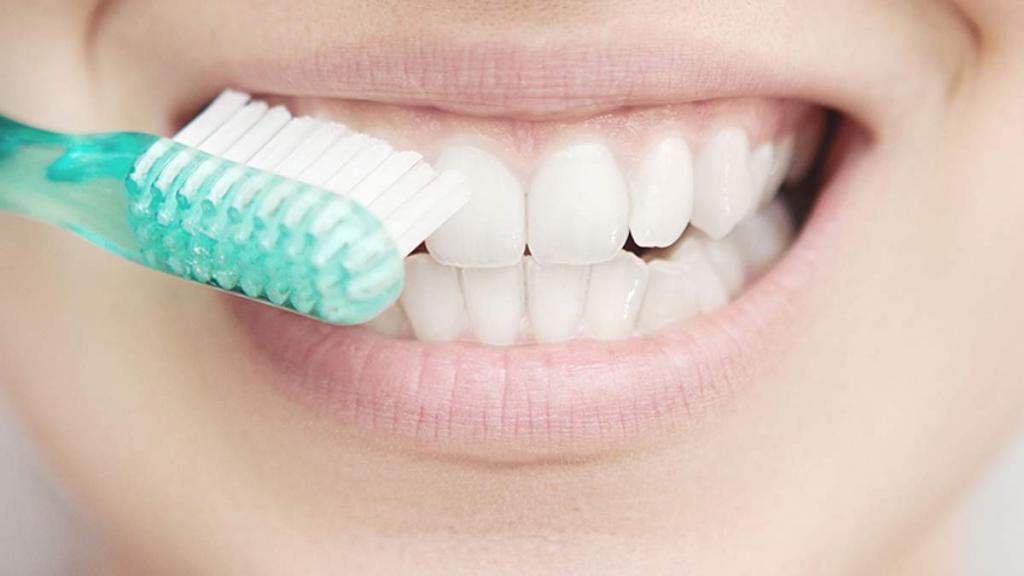 Как стекло помогает восстанавливать зубы: ученые разработали новую зубную пасту