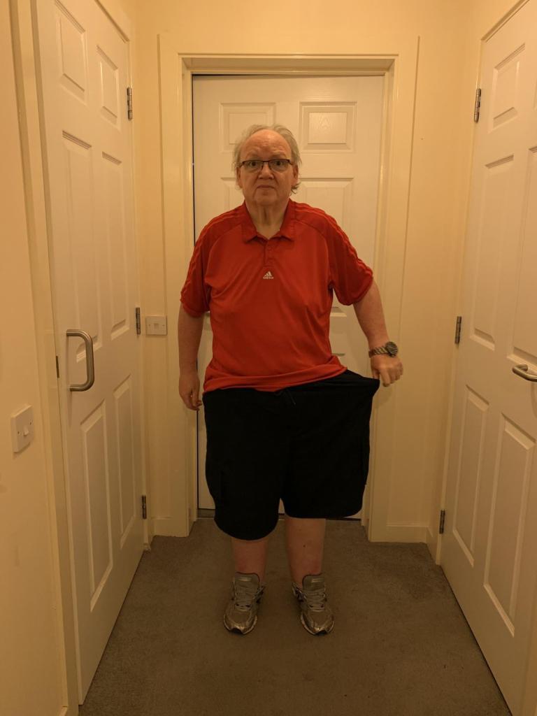 Исследовал достопримечательности и похудел, не выходя их дома: пожилой англичанин сбросил 88 кг (фото до и после)