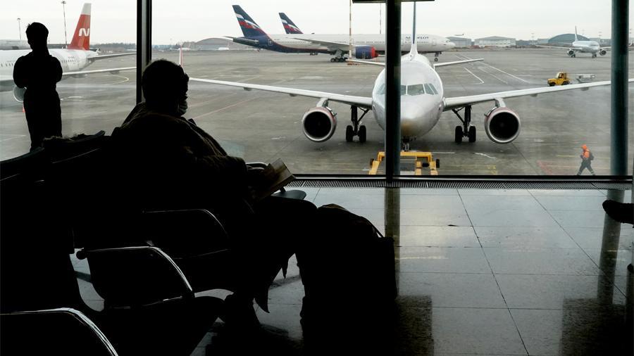 """В России готовятся ограничить авиасообщение с Индией из-за захлестнувшего эту страну """"коронавирусного шторма"""""""
