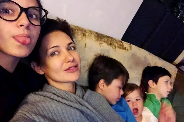 """""""Я успела только показаться на красной ковровой дорожке"""": Екатерине Климовой не до светских мероприятий — она занимается воспитанием 4 детей"""