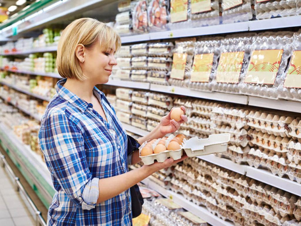 Представители Роспотребнадзора дали несколько советов, как выбрать продукты к Пасхе