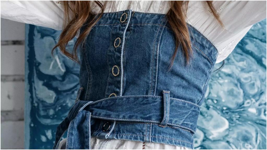 Если видны носки: как понять при примерке, что одежда по размеру и по плечу (ориентиры от стилистов)