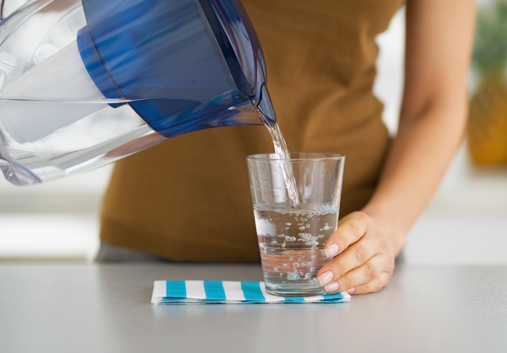 Есть одно время в сутках, когда нельзя пить воду (это грозит набором лишнего веса и бессонницей)