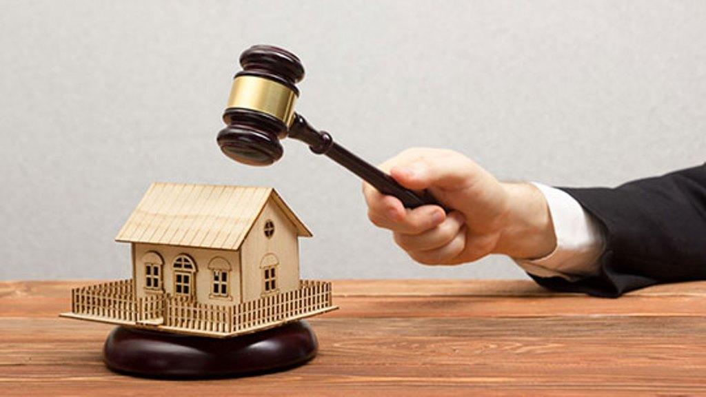 Даже единственное жилье могут забрать за долги: ситуации, когда конфисковать имущество вполне реально