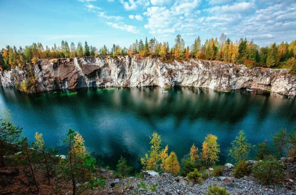 """Навстречу рассвету и """"золотым горам"""": куда поехать отдыхать в России, если не на юг"""