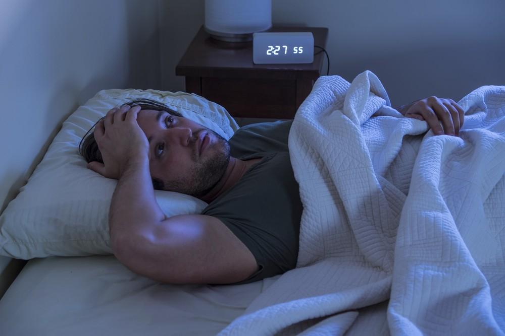 Вялость после ночного отдыха: как улучшить сон, всего лишь открыв форточку, рассказал врач