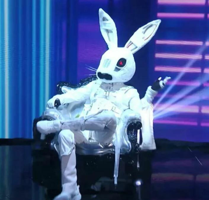 «Не смейте трогать Зайца»: Валерии запретили выгонять любимца фанатов шоу «Маска»