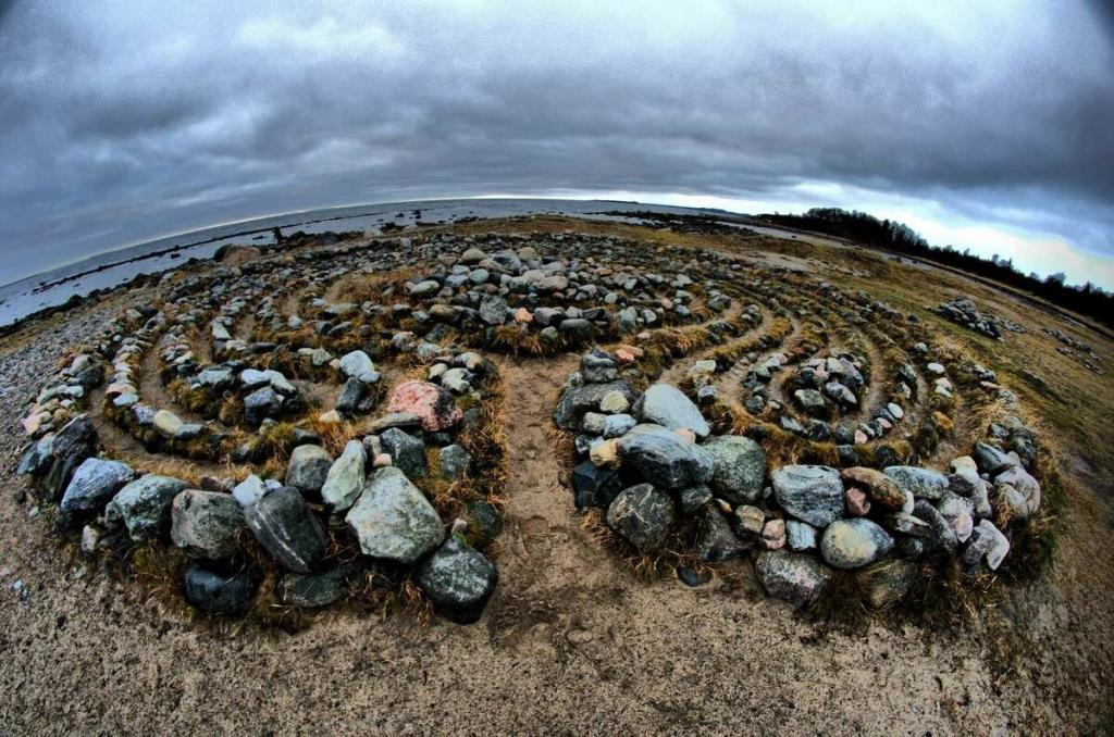 Русские Стоунхенджи: как и для чего были построены каменные лабиринты на севере России