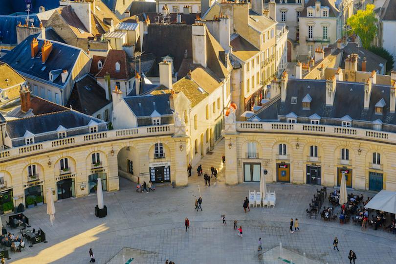 Франция планирует открыться для россиян: самые недооцененные направления европейской страны