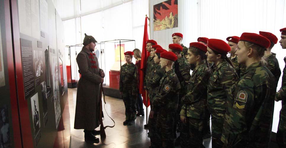 """В Петербурге открылась выставка, посвященная белым офицерам, вставшим на сторону Красной армии. Как сложилась судьба тех, кого называли """"военспецы"""""""