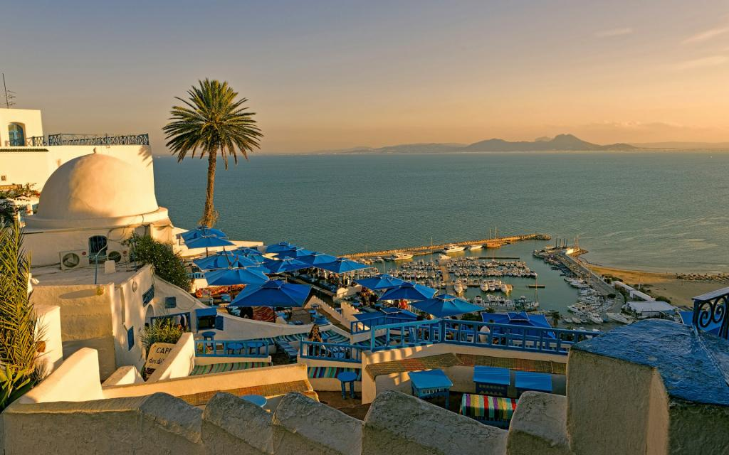 Несмотря на ограничения на фоне пандемии коронавируса, россиянам начали продавать путевки в закрытую страну - Тунис