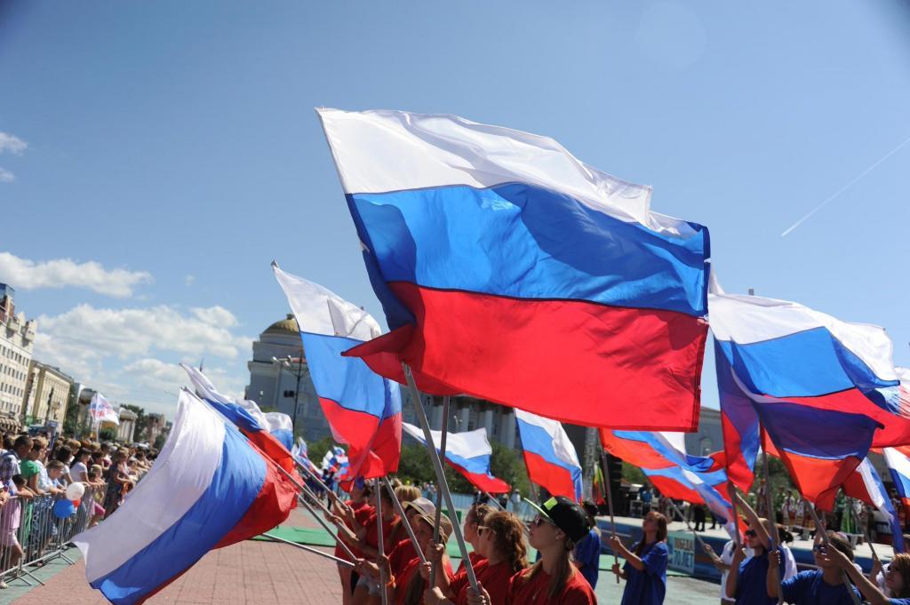Россияне назвали главные для себя официальные государственные праздники. Новый год немного уступил Дню Победы