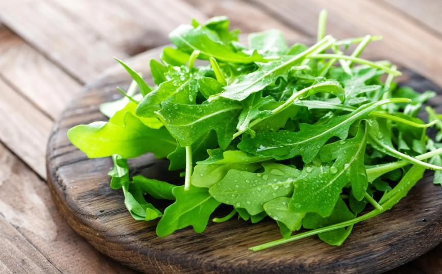 Жара, солнечный свет и влажность могут вызвать весеннюю усталость: продукты, которые помогут с ней справиться