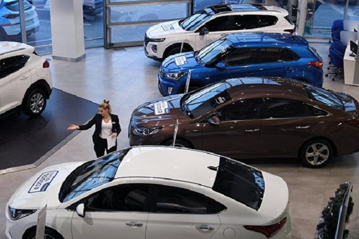 Эксперты предупреждают: продажи новых авто в России, скорее всего, упадут на 10–15%
