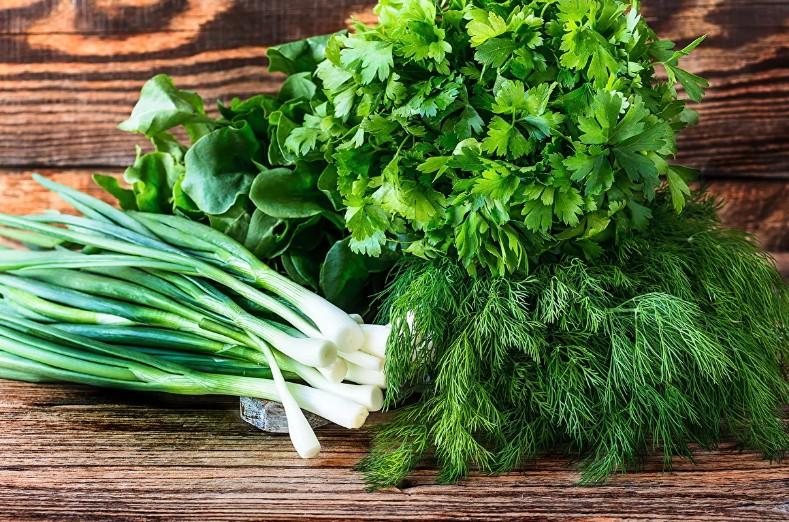 Исследование показало, что переедание может быть признаком нехватки витаминов: нужен правильный рацион