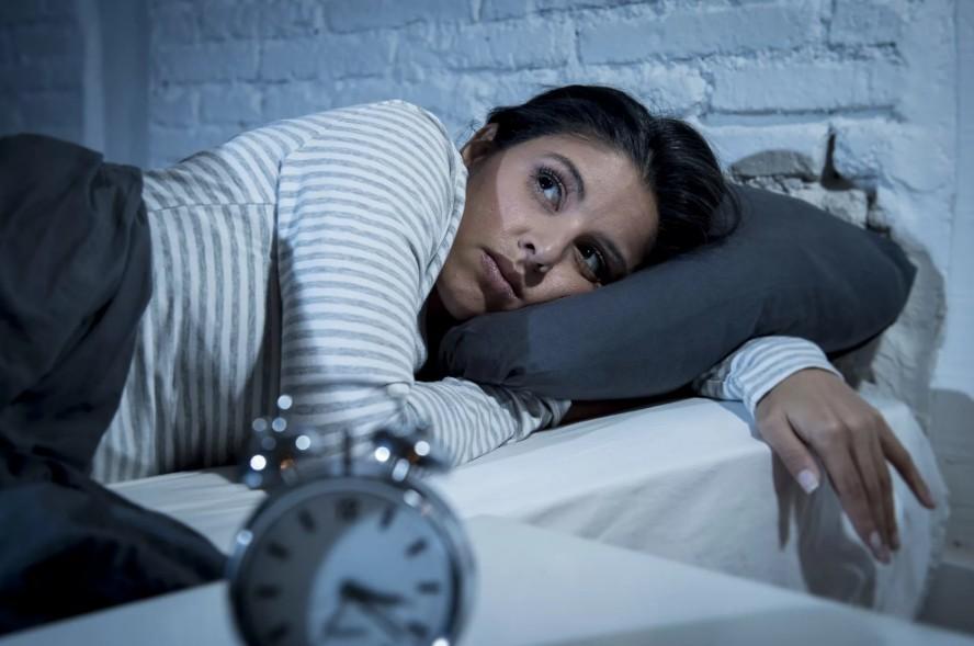 Международное исследование доказало, что недосыпание приводит к нарушению логических и словесных рассуждений