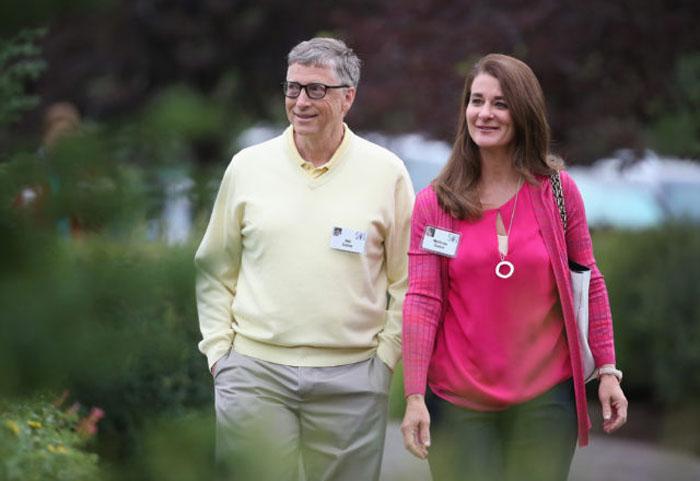 «Это непростое время для всей семьи»: старшая дочь Билла Гейтса Дженнифер о разводе своих родителей