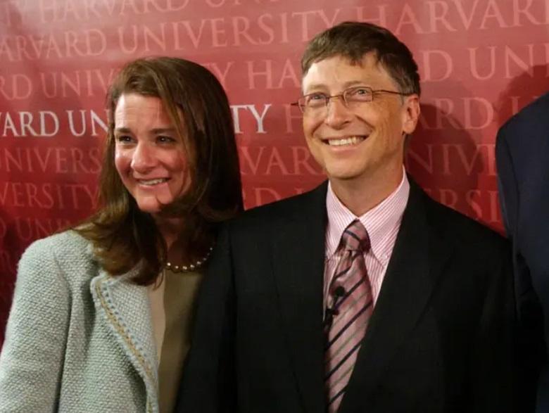 От знакомства на работе до многомиллиардного благотворительного фонда: как прошли 27 лет брака Билла и Мелинды Гейтс