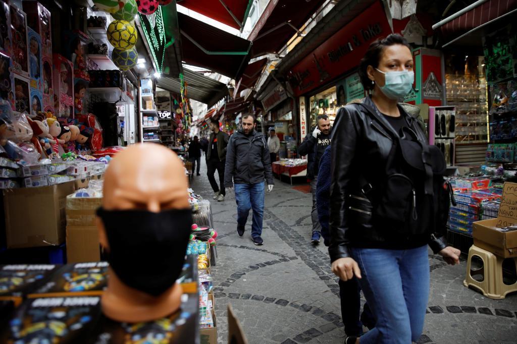 Стало известно об ужесточении условий локдауна в Турции, которые вступят в силу с 7 мая