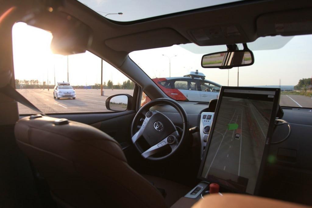 """""""Погнали, шеф!"""" Аналитики узнали, в каких городах России больше всего желающих ездить на беспилотном транспорте"""